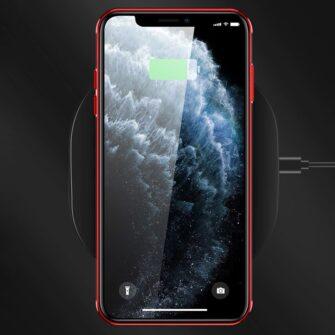iPhone 11 ümbris silikoonist punaste läikivate servadega 1
