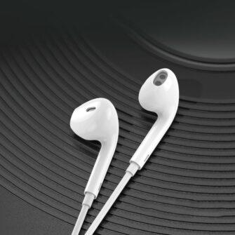 Juhtmega kõrvaklapid lightning iPhone 1