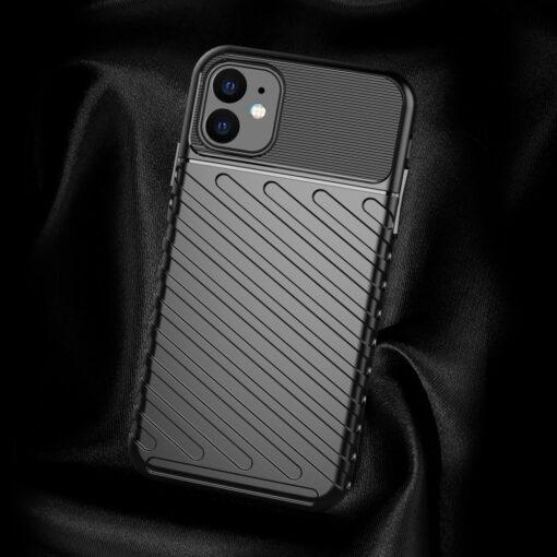 iPhone 11 tugev silikoonist ümbris musta värvi 2