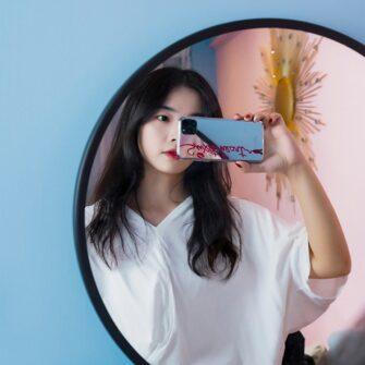 Kingxbar Angel mirror case decorated with original Swarovski crystals iPhone 11 transparent 13
