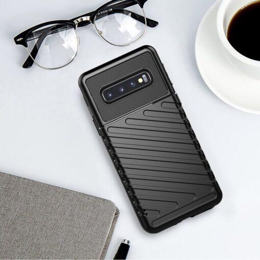 Samsung S10 ümbris tugev silikoonist must 8
