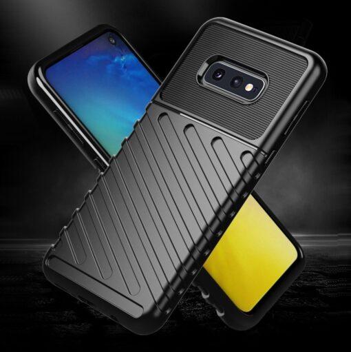 Samsung S10e ümbris silikoonist tugev must 3