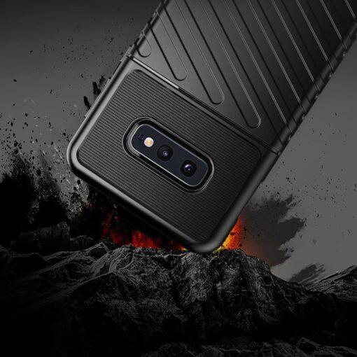 Samsung S10e ümbris silikoonist tugev must 6
