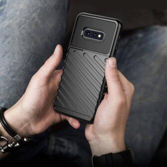 Samsung S10e ümbris silikoonist tugev must 8