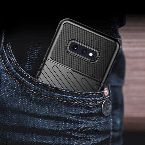 Samsung S10e ümbris silikoonist tugev must 9