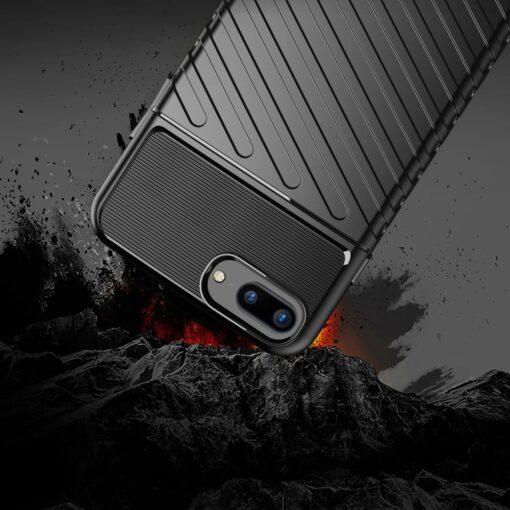 iPhone 8 Plus silikoonist ümbris must tugev 5