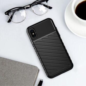 iPhone XS ümbris tugev silikoonist must 1