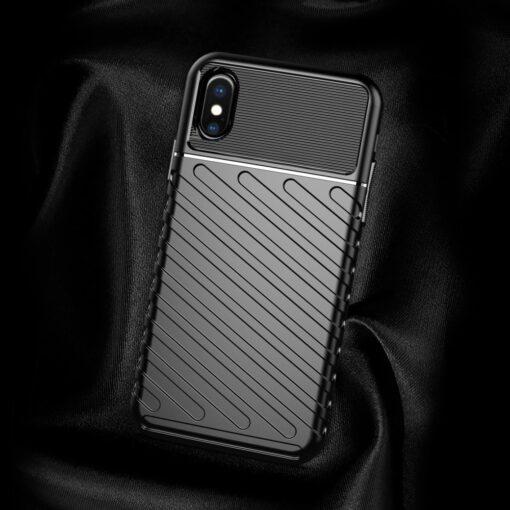 iPhone XS ümbris tugev silikoonist must 4