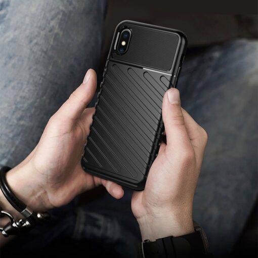 iPhone XS ümbris tugev silikoonist must 8
