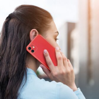 iPhone 11 ümbris YOLO kunstnahast ja silikoonist servadega punane 10