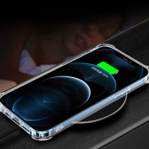 iPhone 12 12 Pro silikoonist MagSafe tugevdatud nurkadega kaaned labipaistev 11