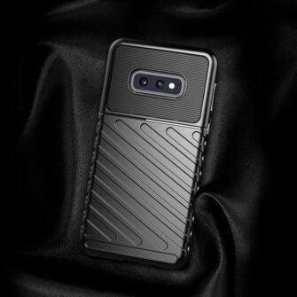 Samsung S10 Plus tugev umbris silikoonist must 2