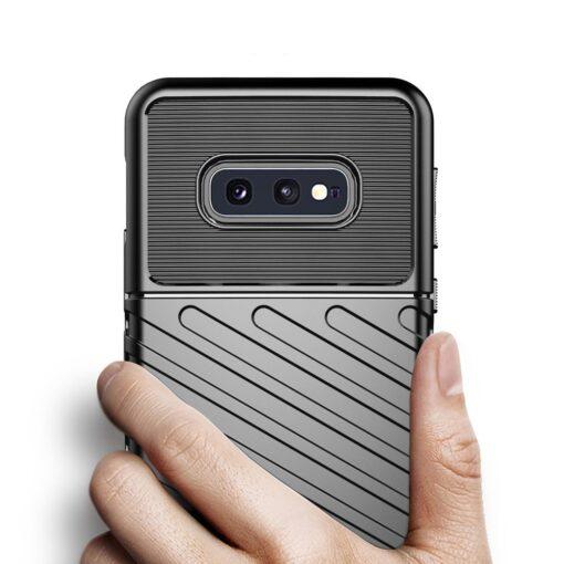Samsung S10 Plus tugev umbris silikoonist must 3