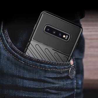 Samsung S10 Plus tugev umbris silikoonist must 9