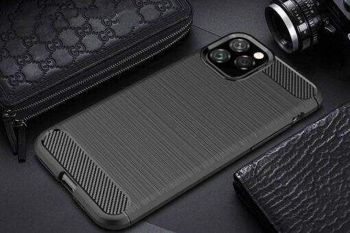 iPhone 11 Pro umbris silikoonist Carbon must 7