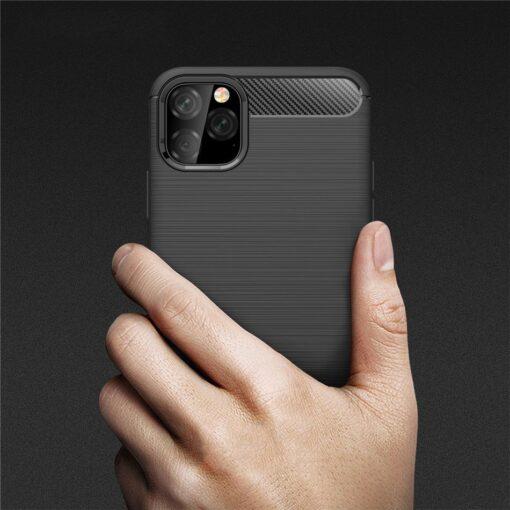 iPhone 11 umbris silikoonist Carbon must 1