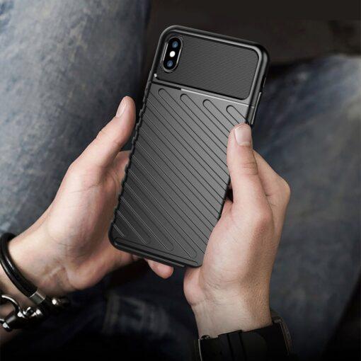 iPhone XS Max tugev umbris Thunder silikoonist must 7