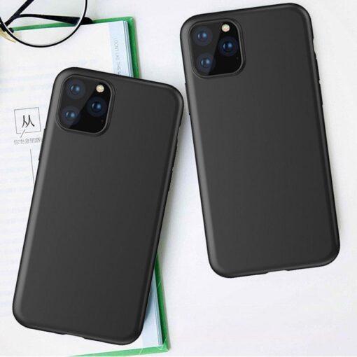 iPhone 11 Pro Max matt silikoonist umbris must 5